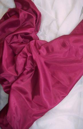 bordó selyem dekoranyag 150 cm széles (méterre)