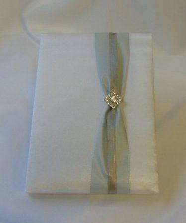 Ezüst szettből-esküvői vendégkönyv ezüst díszítéssel (A/5) (belül sima, 70 lapos)