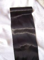 Szatén futó (15 cm * 9,1 m) fekete