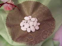 Cukorral bevont csoki (mandula formájú)