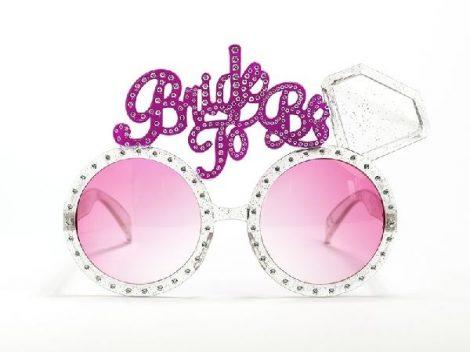 lánybúcsús strasszos szemüveg