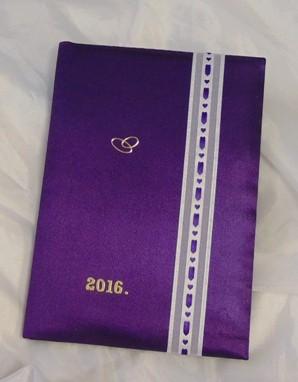 vendégkönyv A5, lila, szív szalaggal (sima, 70 lapos)
