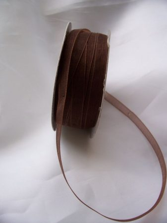 organza szalag 0,6 cm x 22,86 m, barna-044