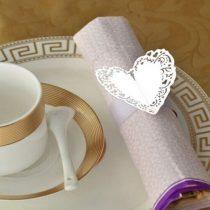 papír szalvétagyűrű szívvel (6 db)