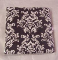 fekete alapon fehér mintás szalvéta (33x33), 3 rétegű, 20 db