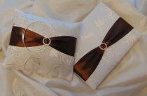 esküvői gyűrűpárna csokibarna díszítéssel (15*18 cm)