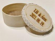 Esküvői gyűrűtartó dobozka fából gravírozással